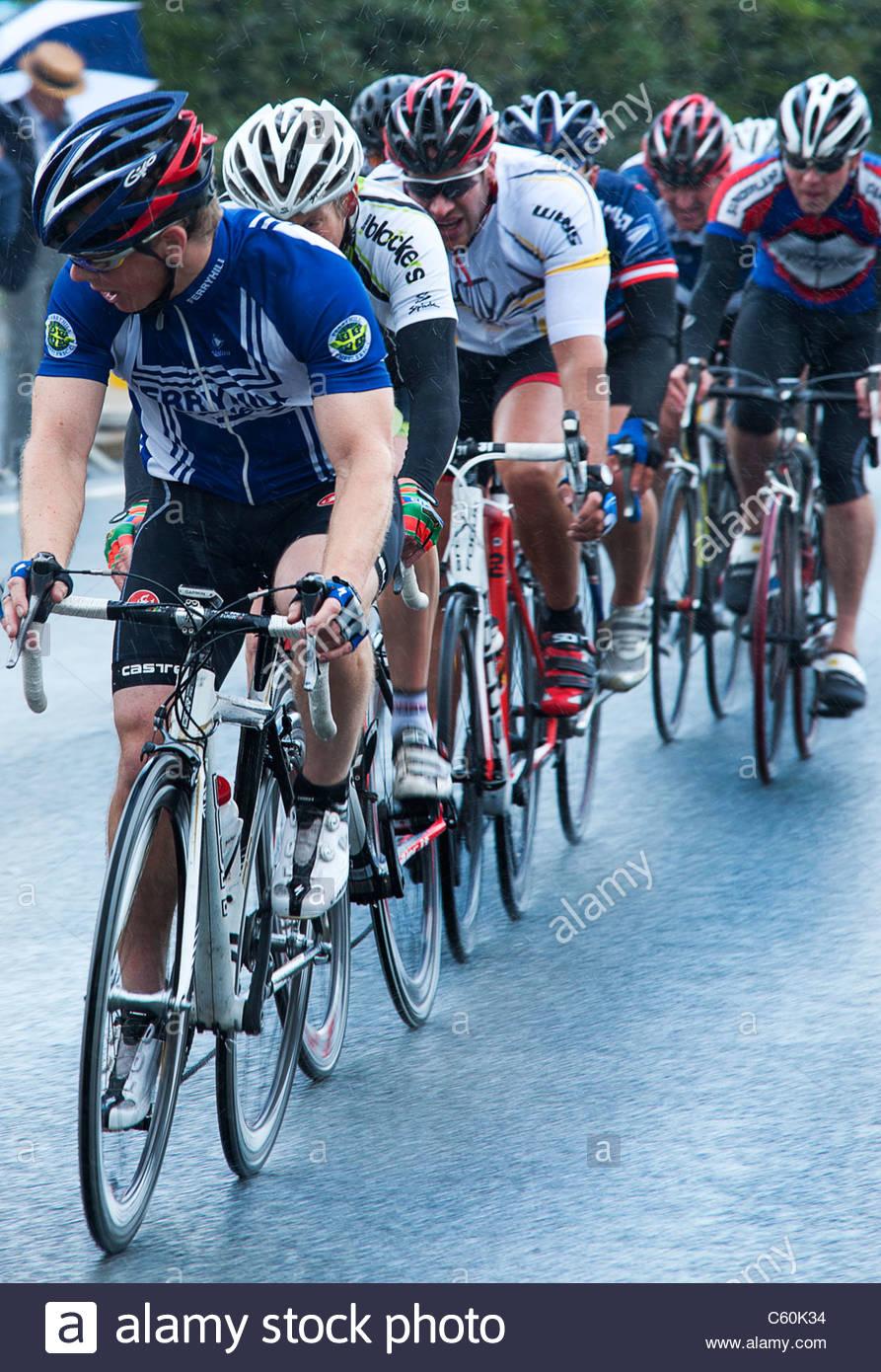 I concorrenti racing nel 2011 ciclo Velo gare a Stockton-on-Tees, Cleveland. Inghilterra, Regno Unito Immagini Stock