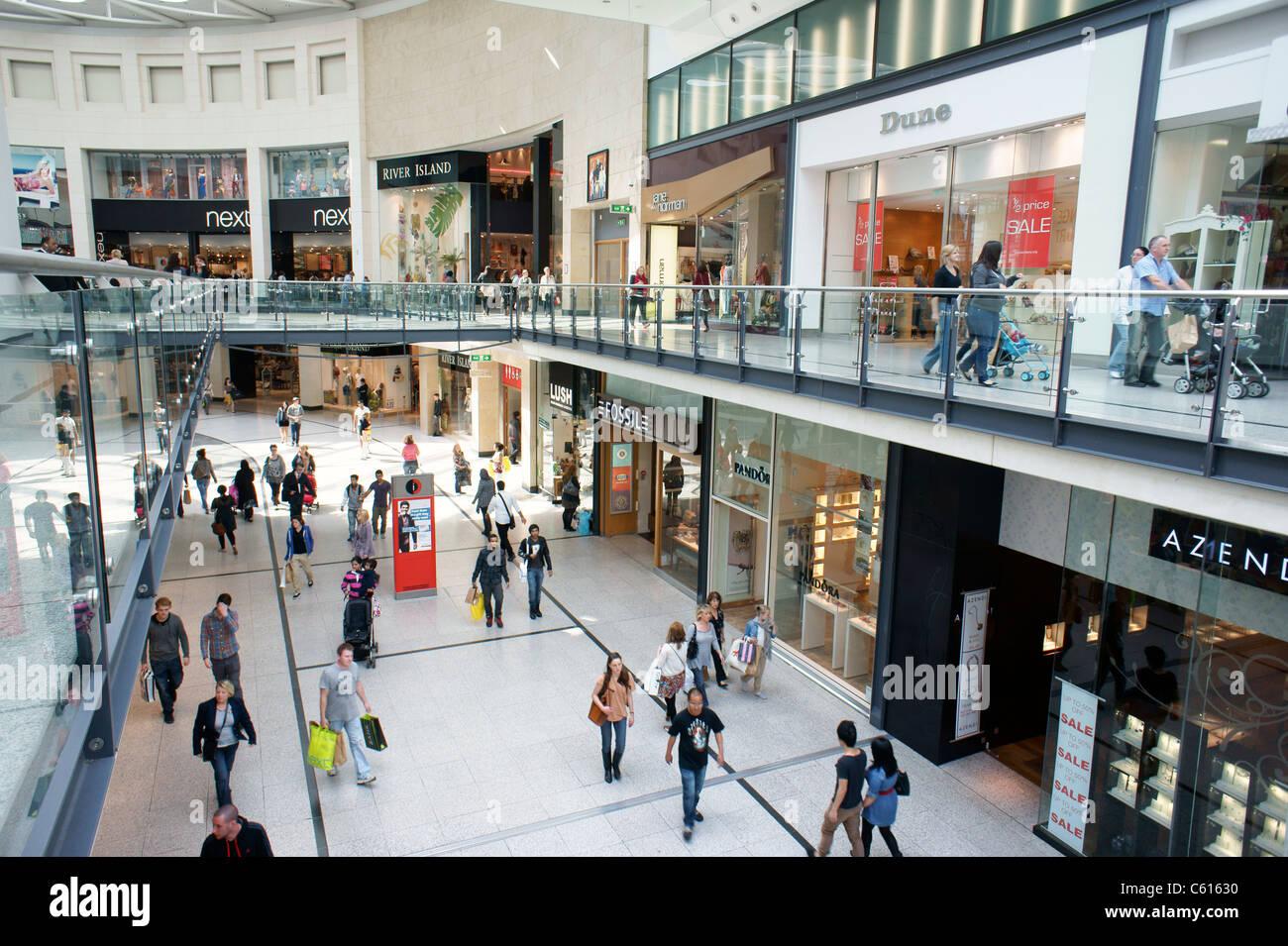 Arndale Centre, Manchester, Inghilterra. Gli amanti dello shopping e del commercio al dettaglio negozi outlet negozi Immagini Stock