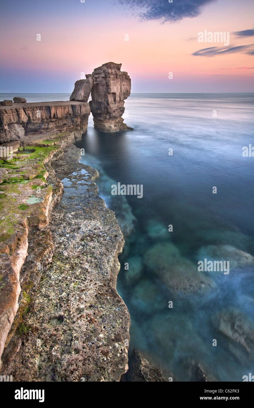 Il pulpito Rock catturati al tramonto, Dorset Immagini Stock