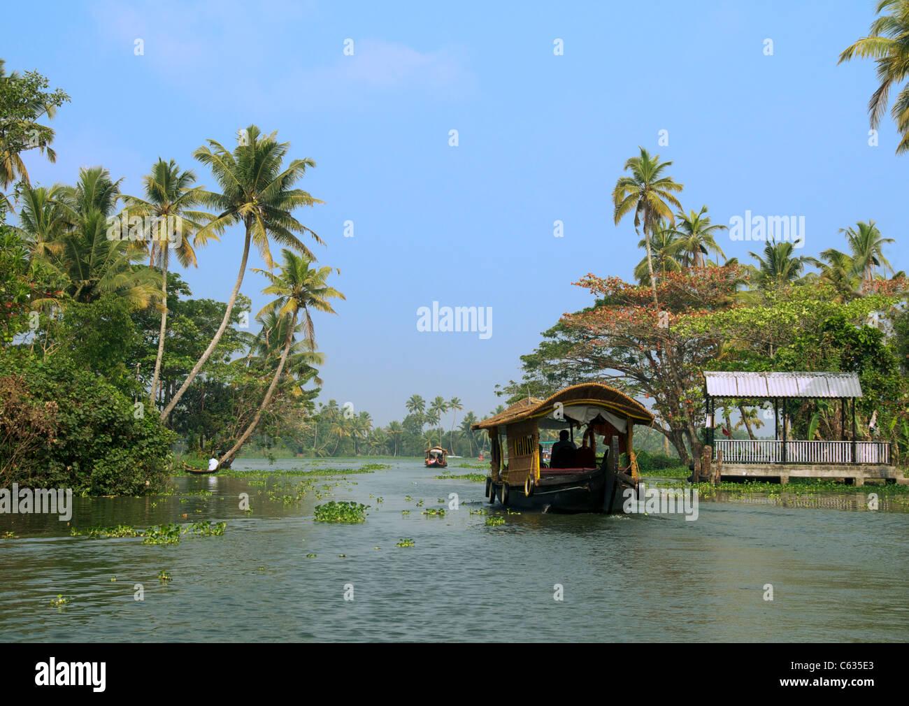 Houseboat lasciando Alappuzha Backwaters Kerala India del Sud Immagini Stock