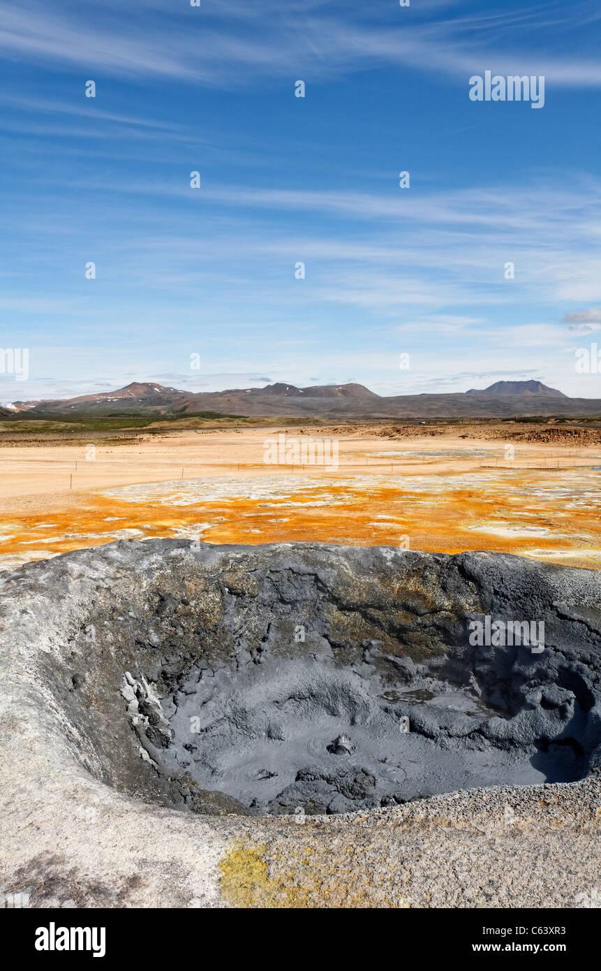 Piscina di fango a Hverir, Islanda Immagini Stock