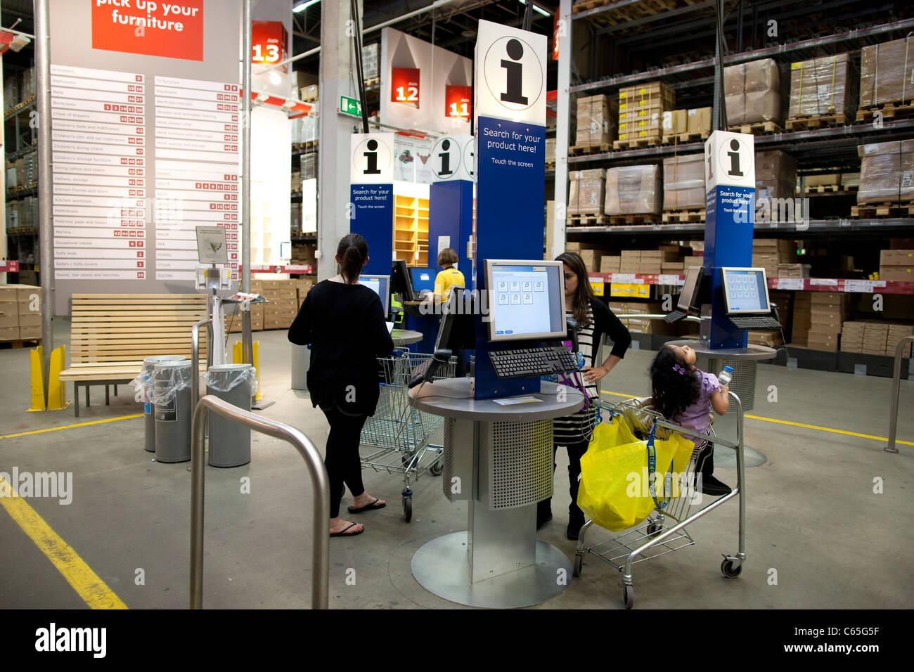 IKEA international predisposto per montaggio mobili compagnia, il più grande del mondo rivenditore arredamento, Immagini Stock