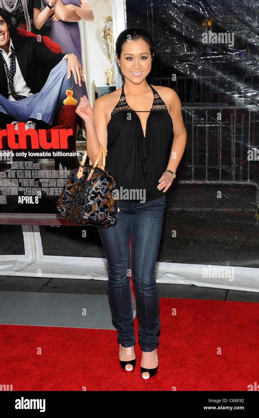 Kathryn Le presso gli arrivi per ARTHUR Premiere, il Teatro Ziegfeld, New York, NY, 5 aprile 2011. Foto di: Desiree Immagini Stock