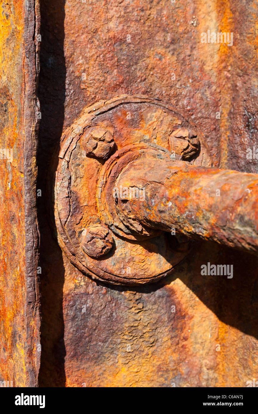 Ruggine di ferro metallico in acciaio piastra tubo corrosione rosso arancione rottame arrugginito superficie battuto Immagini Stock