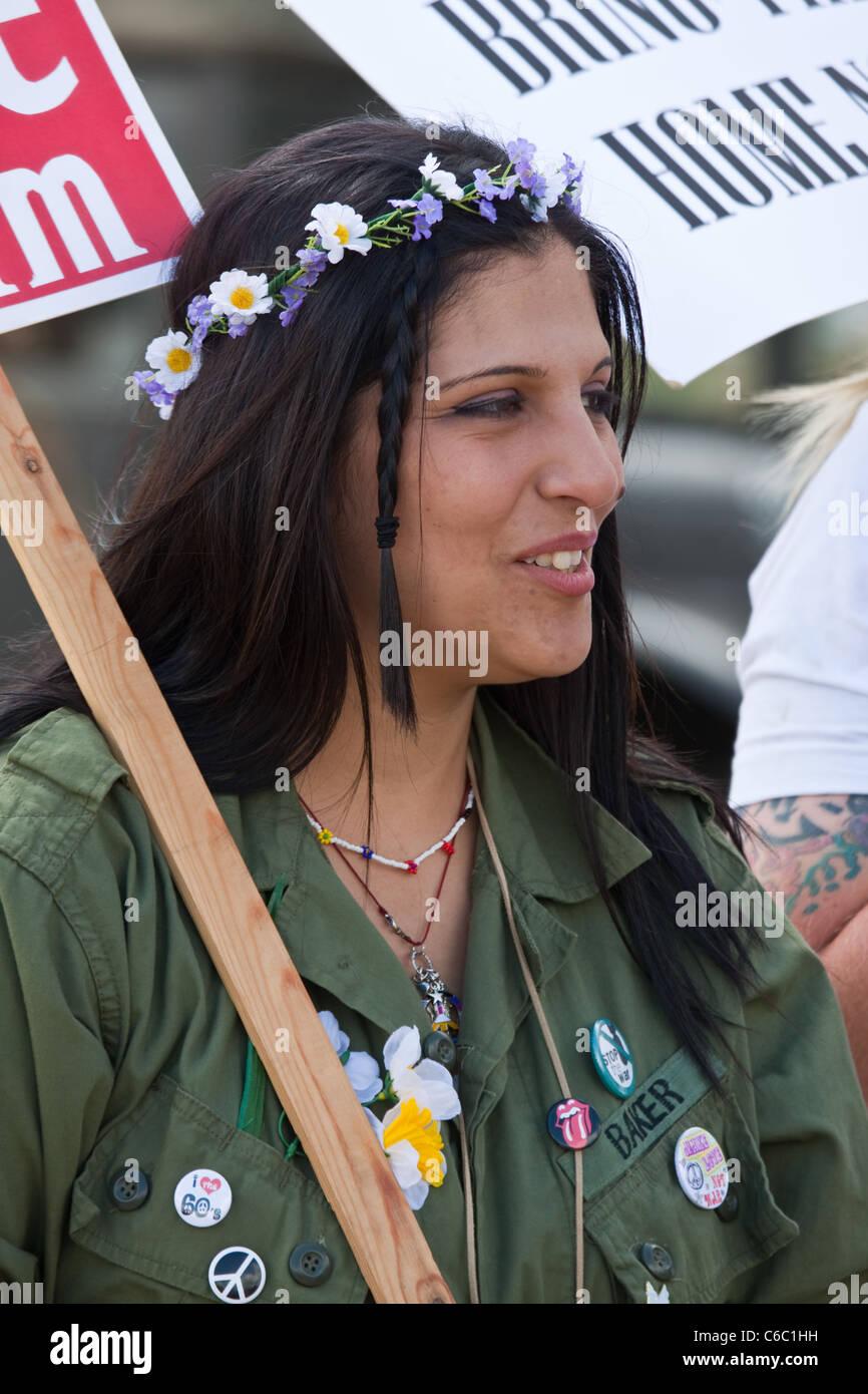 Guerra del Vietnam Protester ar guerra & pace Rievocazione Storica Immagini Stock