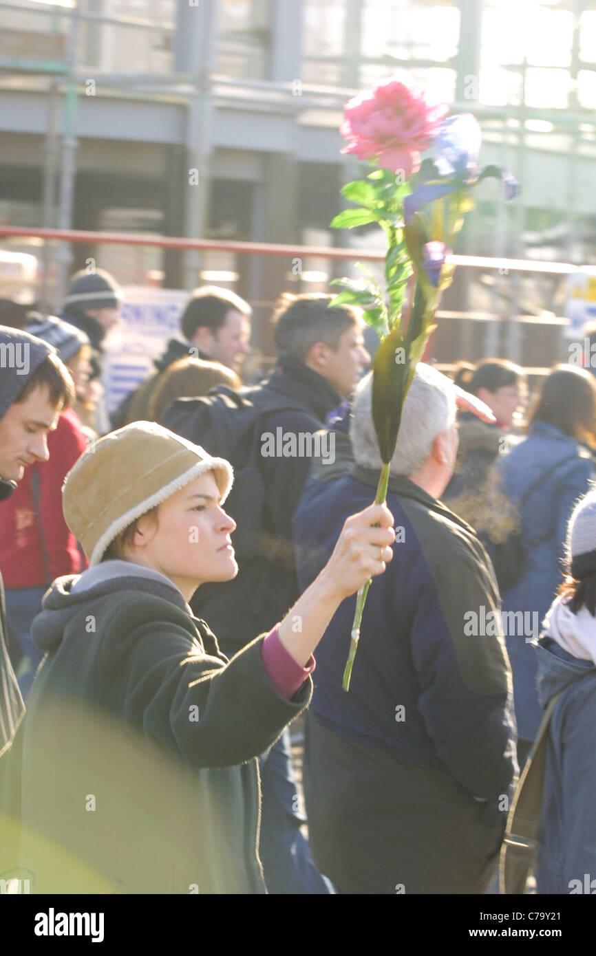 Grande manifestazione contro la progettata invasione dell'Iraq, a Glasgow in Scozia, 15 febbraio 2003. Immagini Stock