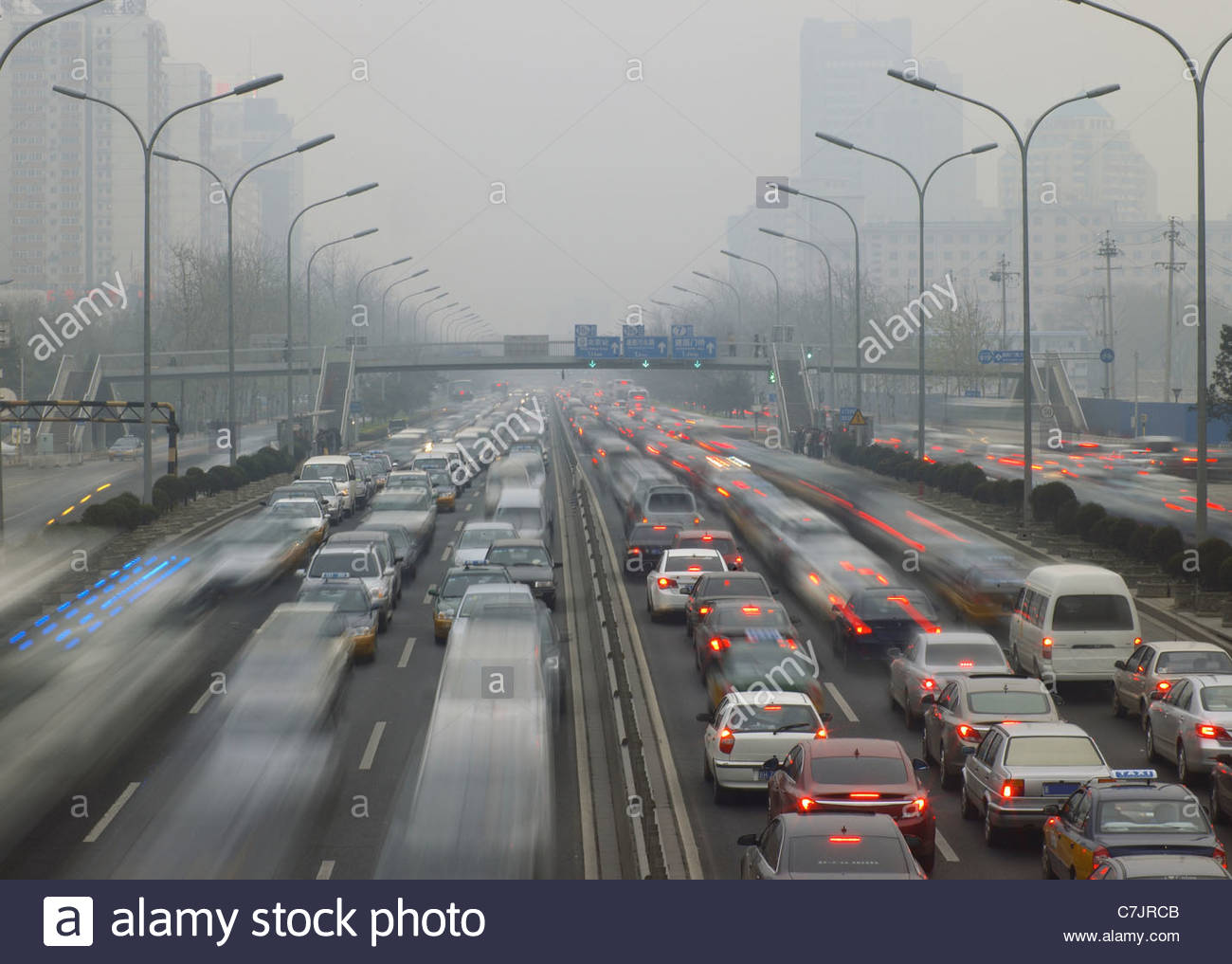 Time Lapse vista del traffico su autostrada Immagini Stock