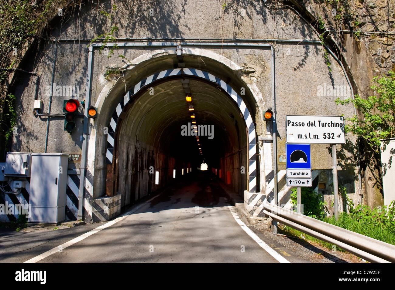 In Italia, la Liguria, Passo del Turchino tunnel Immagini Stock