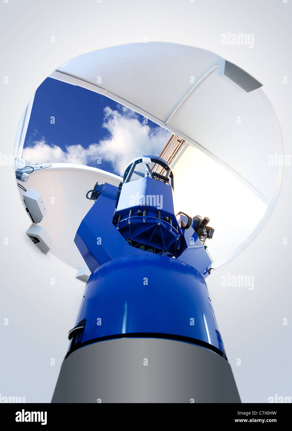 Osservatorio astronomico del telescopio piscina blu cielo Immagini Stock