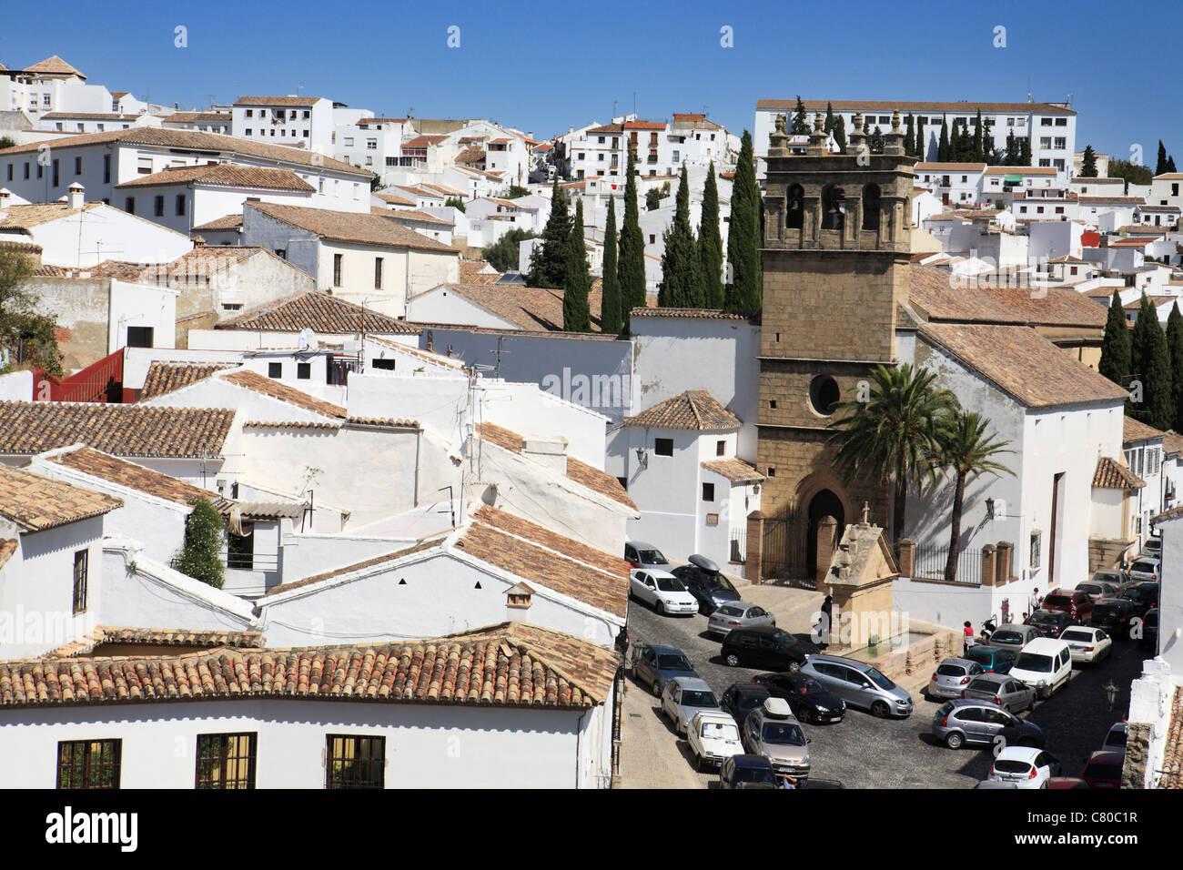 La città bianca di Ronda con la Iglesia de Nuestro Padre Jesús (chiesa), Andalusia, Spagna Immagini Stock