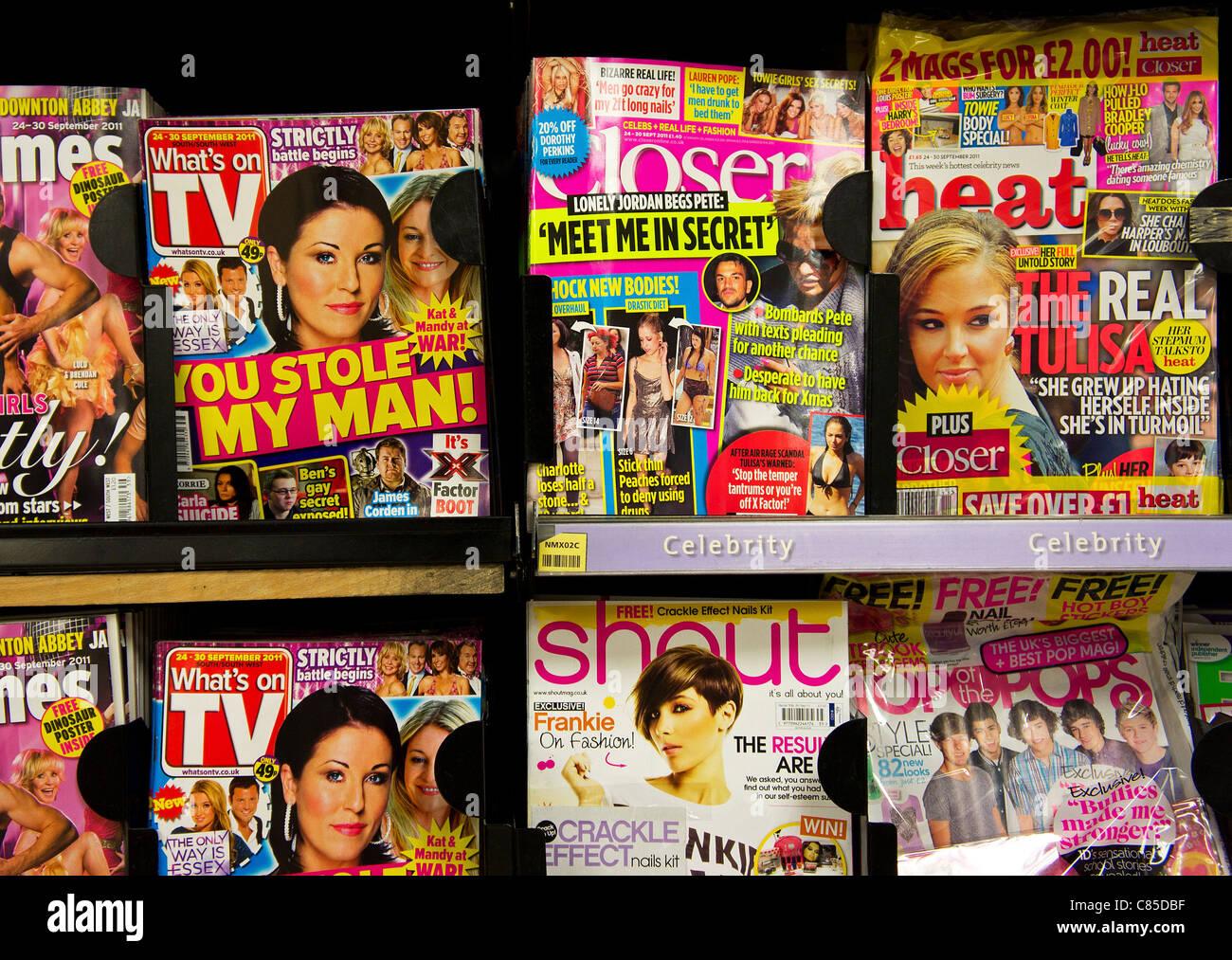 Celebrità riviste di chat in un regno unito edicola shop Immagini Stock