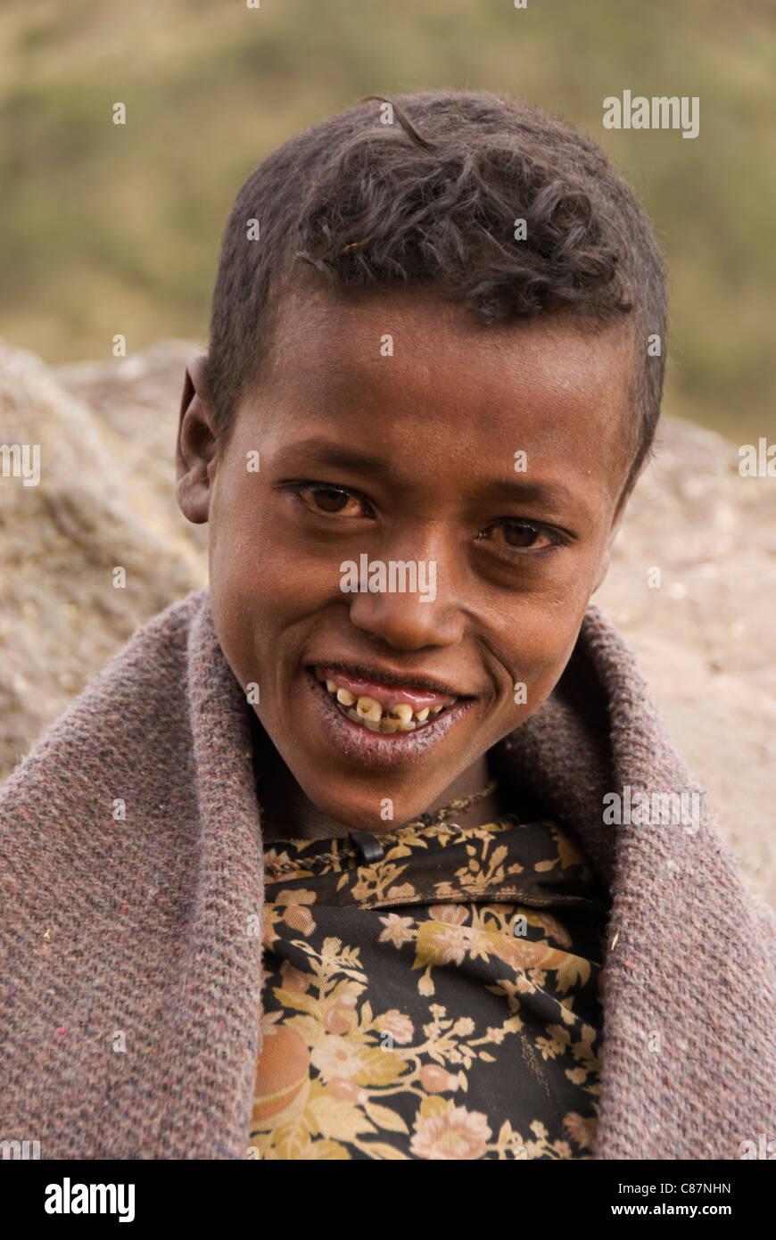 Etiopia, Simien Mountains National Park, ritratto del ragazzo. Immagini Stock