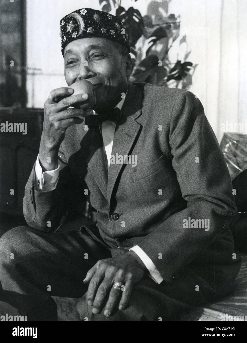 Elia Muhammad (1897-1975) americano africano leader della nazione dell'Islam. Foto di Robert Lucas Immagini Stock