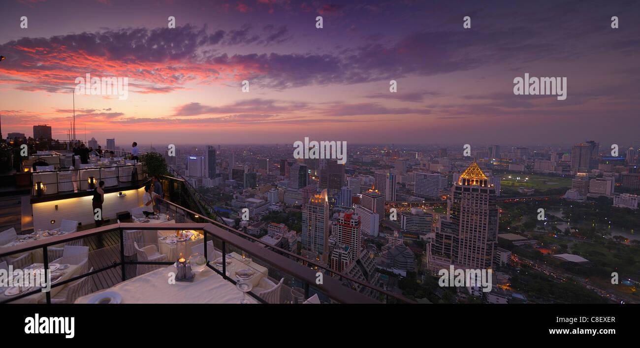 Vista, Bangkok, ristorante, Vertigo Grill, Banyan Tree, hotel, uno dei migliori alberghi del mondo, Città, Immagini Stock