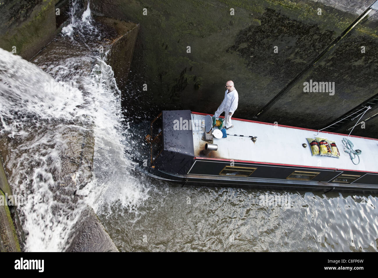 Vasca Da Bagno Stretta : Kennet & avon canal boat stretta nella vasca da bagno profonda
