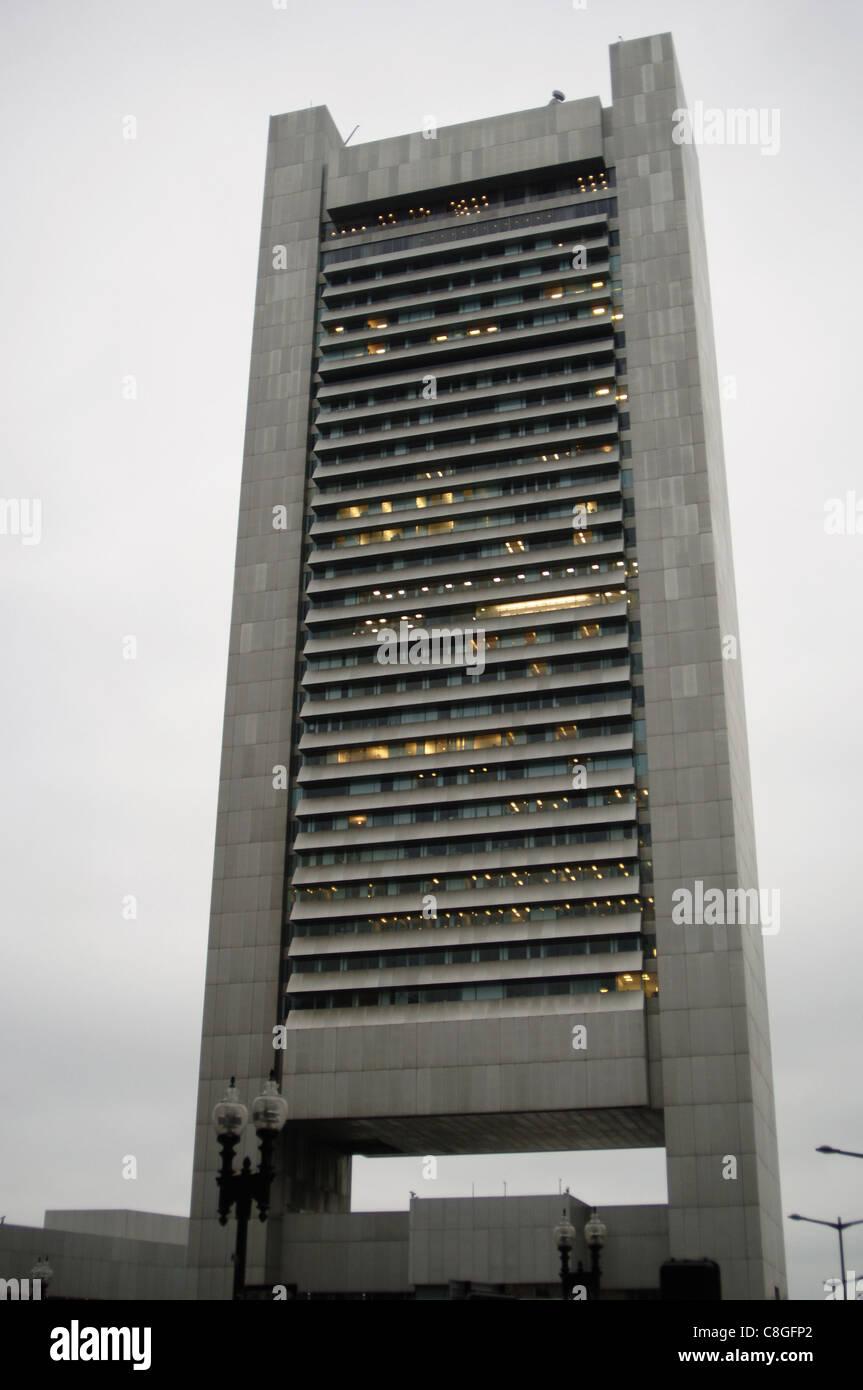 Federal Reserve Bank. Costruito nel 1976 da Hugh Stubbins progetto (1912-2006). Esterno. Boston. Massachusetts. Immagini Stock