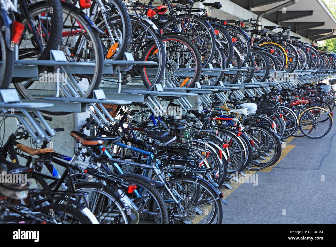 La vita, città-vita, traffico, bicicletta, Velo, parcheggio, materie, Svizzera, Solothurn, Olten, all'aperto, Immagini Stock