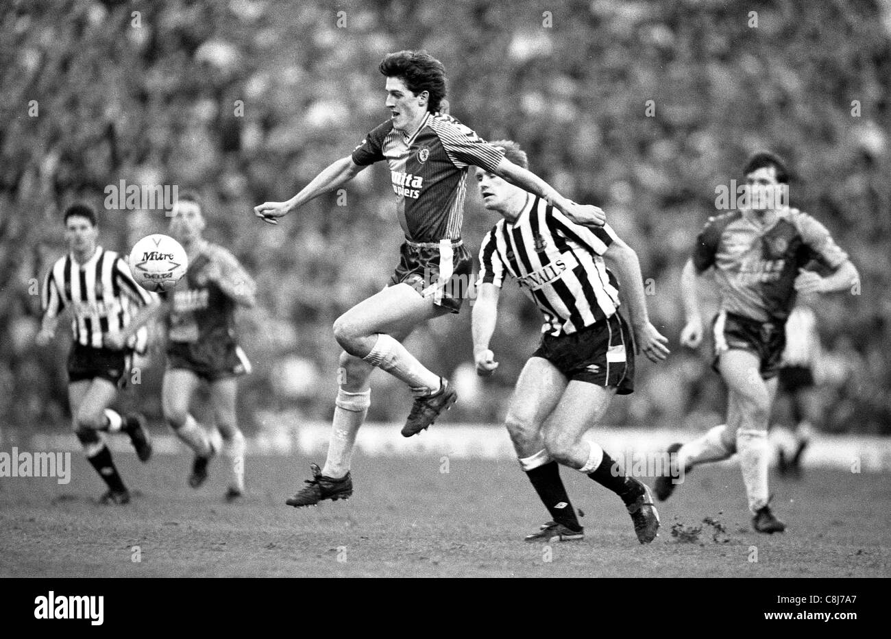 Aston Villa v Newcastle United a Villa Park 14/1/1989 Ian Olney Immagini Stock