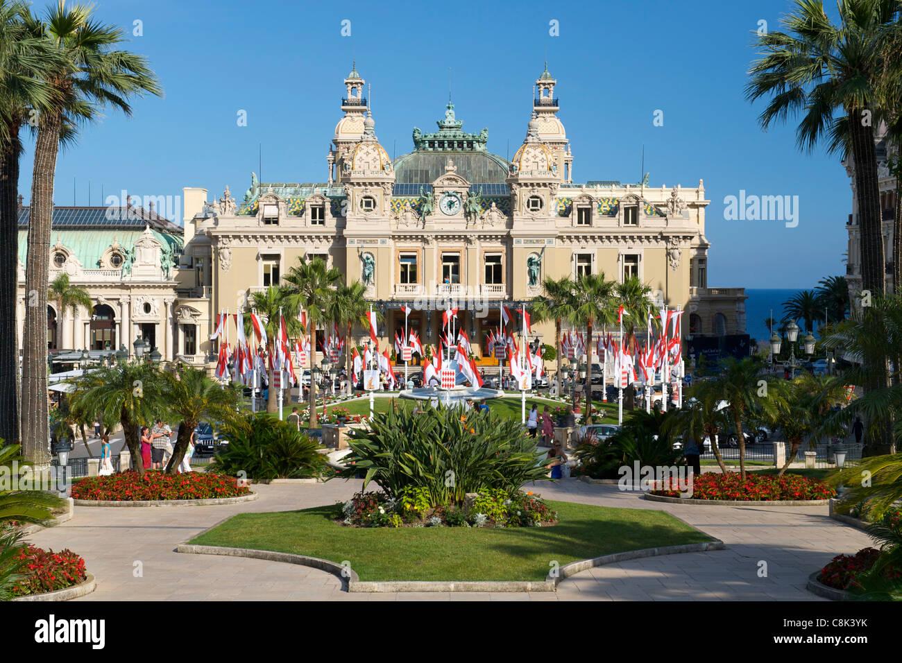 Casinò di Monte Carlo nel principato di Monaco sulla Riviera Francese lungo la costa mediterranea. Immagini Stock