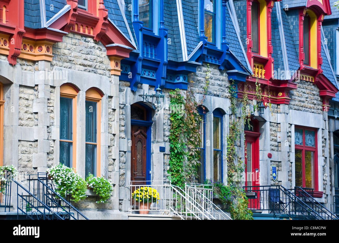 Questo famoso vittoriano case si trova in piazza Saint Louis sono un patrimonio storico della città di Montreal Immagini Stock