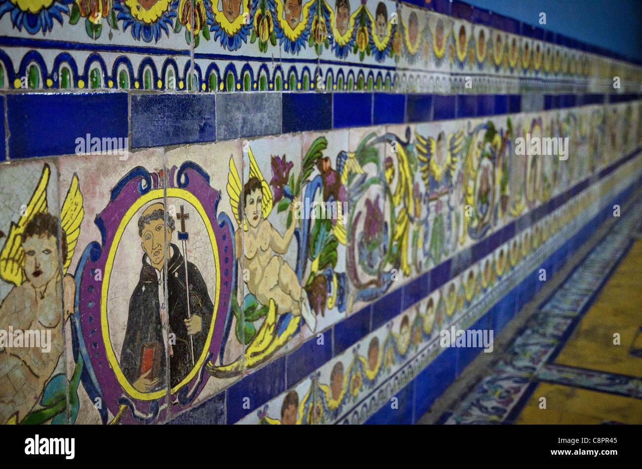 Piastrelle dipinte nel convento di Santo Domingo Lima Peru Immagini Stock