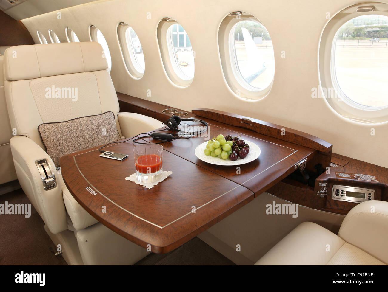 Jet Privato Lussuoso : Private jet interior immagini private jet interior fotos stock