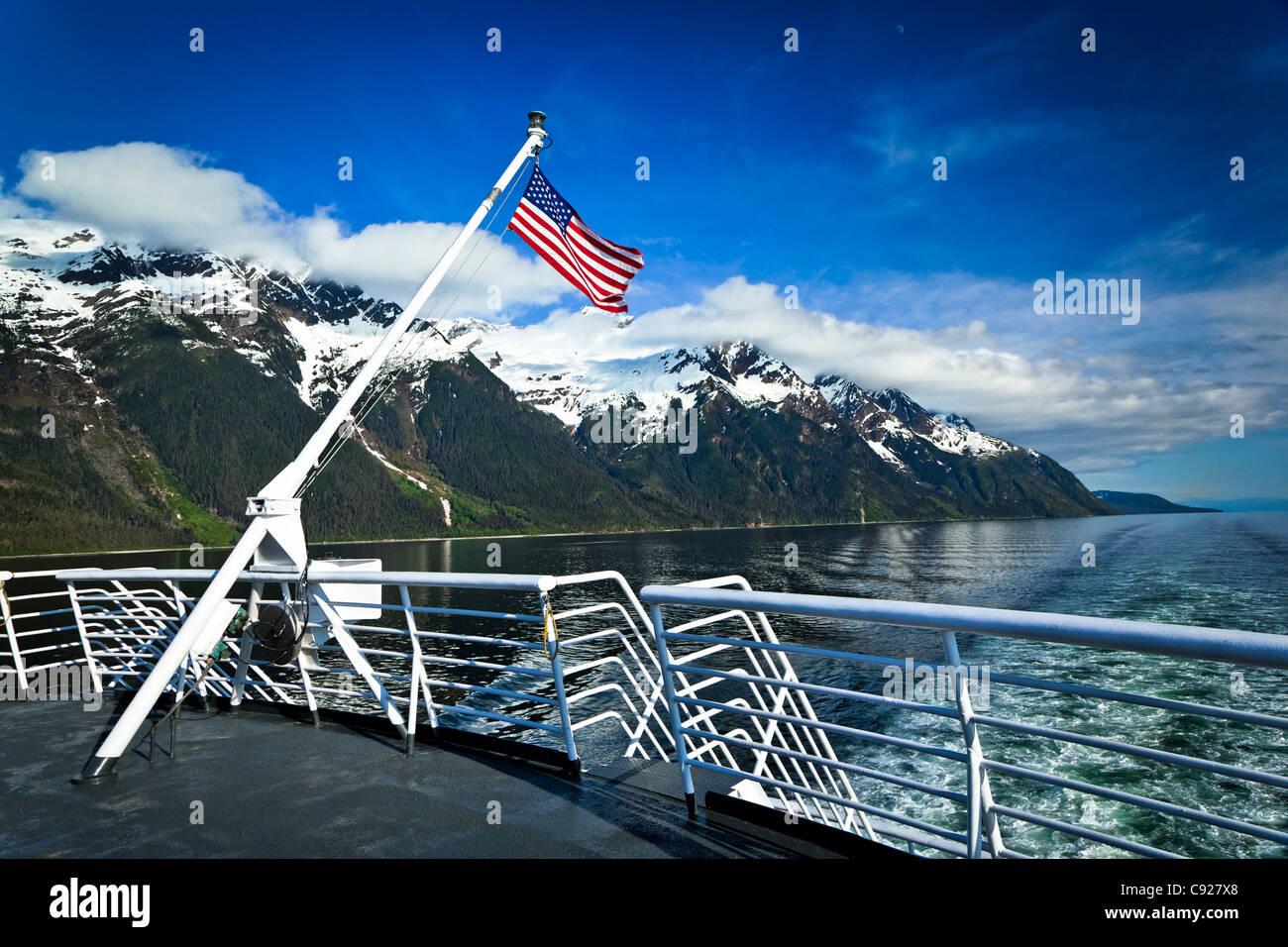 Alaska Marine Highway traghetto a Lynn Canal, all'interno del passaggio, a sud-est di Alaska, molla Immagini Stock