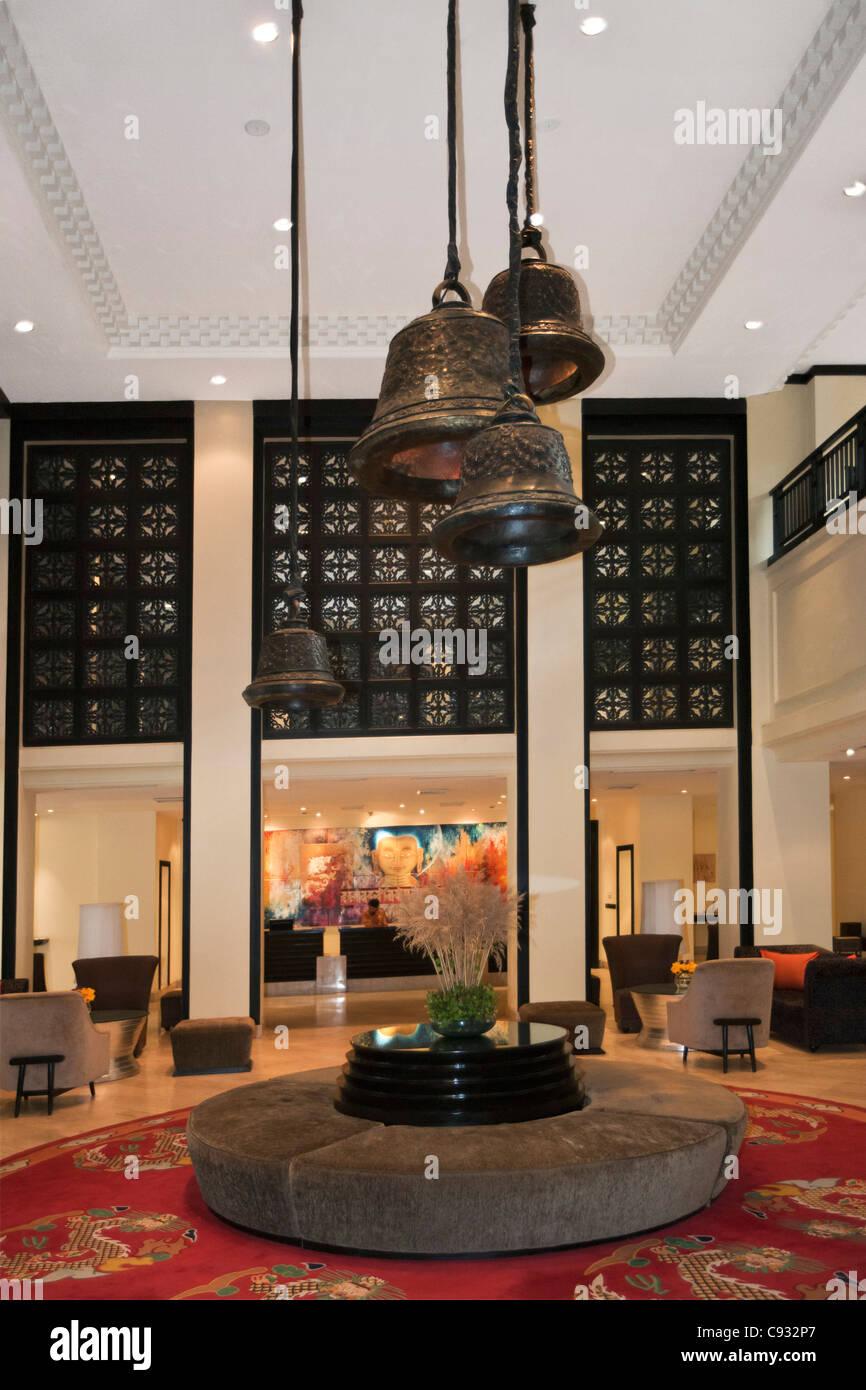 La hall e la reception del Taj Tashi Hotel che è il miglior hotel nel centro di Thimphu. Immagini Stock