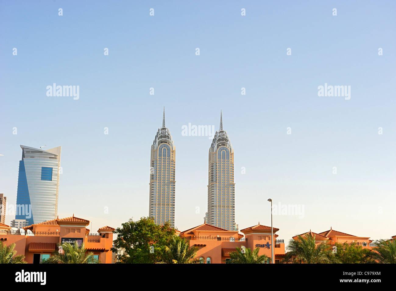 Edifici ad alta, il centro cittadino di Dubai, Dubai, Emirati Arabi Uniti, Medio Oriente Immagini Stock