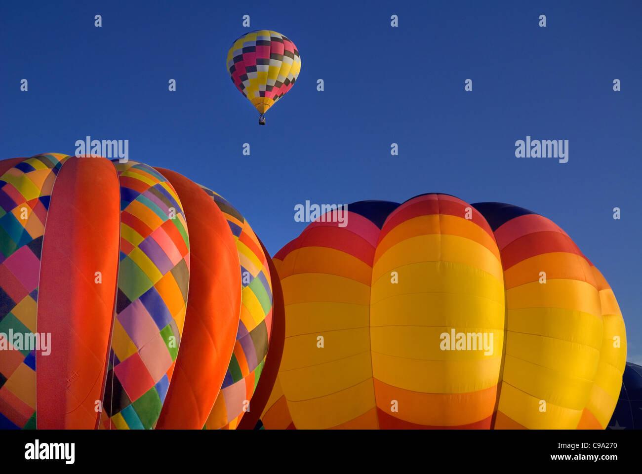 Stati Uniti d'America, Nuovo Messico, Albuquerque, annuale Balloon Fiesta, colorate mongolfiere. Immagini Stock