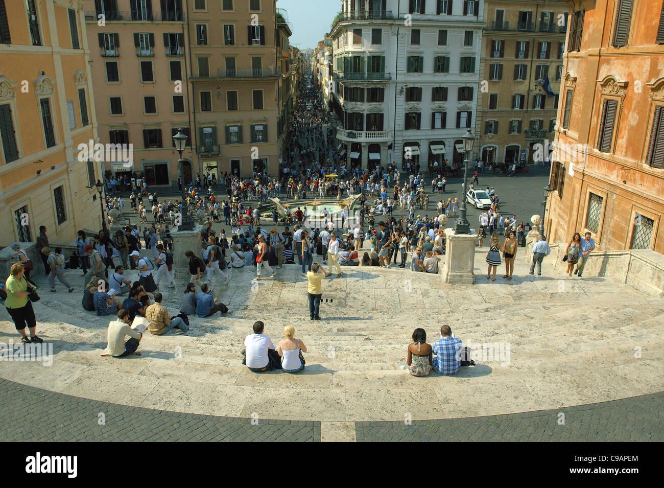 288d214580b Via Condotti Trinita dei Monti Chiesa scalinata di Piazza di Spagna Roma