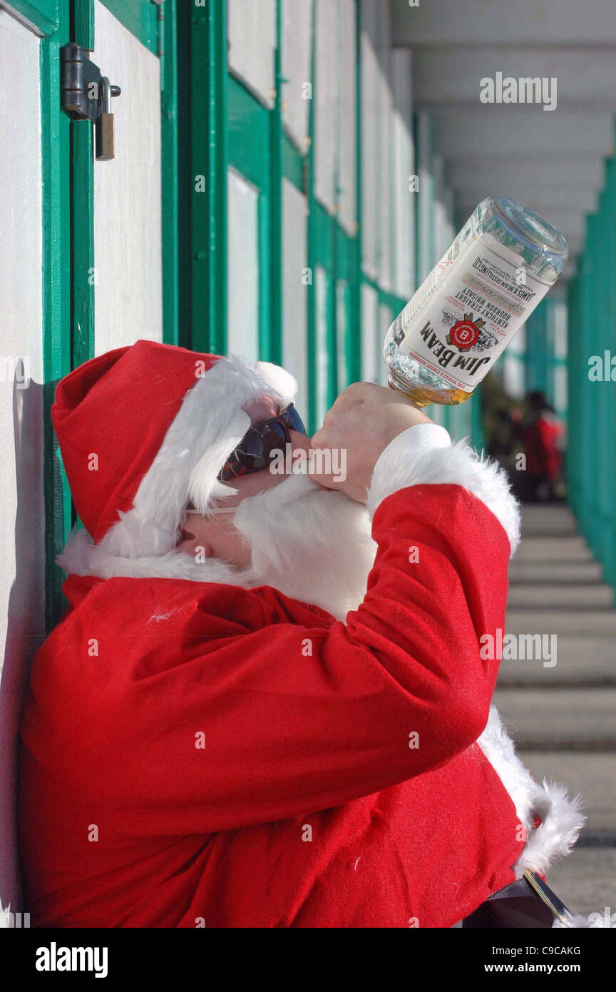 Babbo Natale Ubriaco.Ubriaco Babbo Natale Al Langland Bay Vicino A Swansea Foto