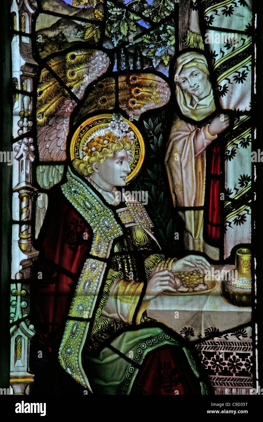 Finestra di vetro colorato dal Kempe Studios raffigurante l'ospitalità di Abramo, Santa Maria Vergine Chiesa, Immagini Stock