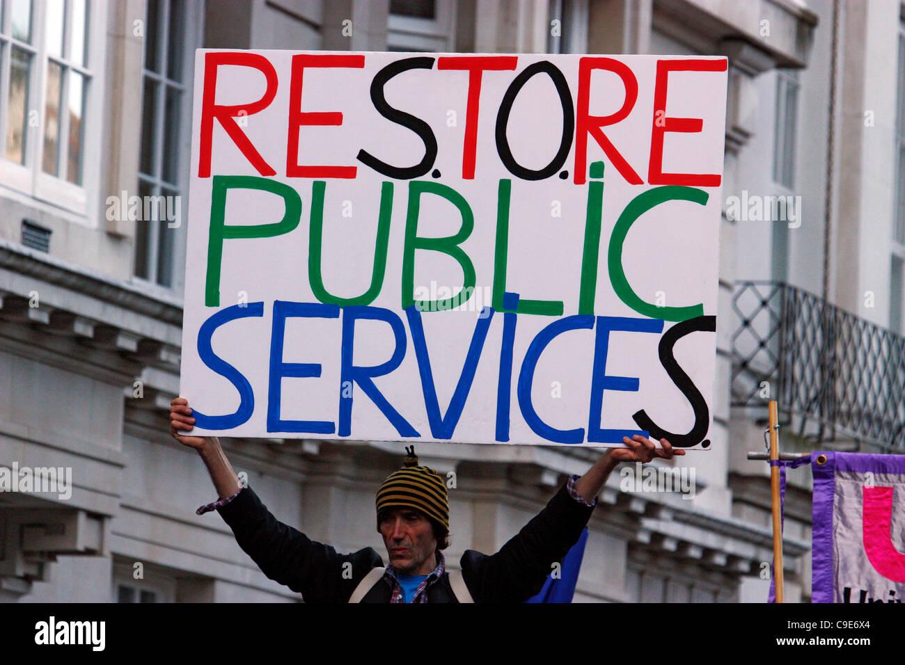 Londra, UK, 30/11/2011, i manifestanti in London, London è stato colpito oggi dal settore pubblico lo sciopero Immagini Stock