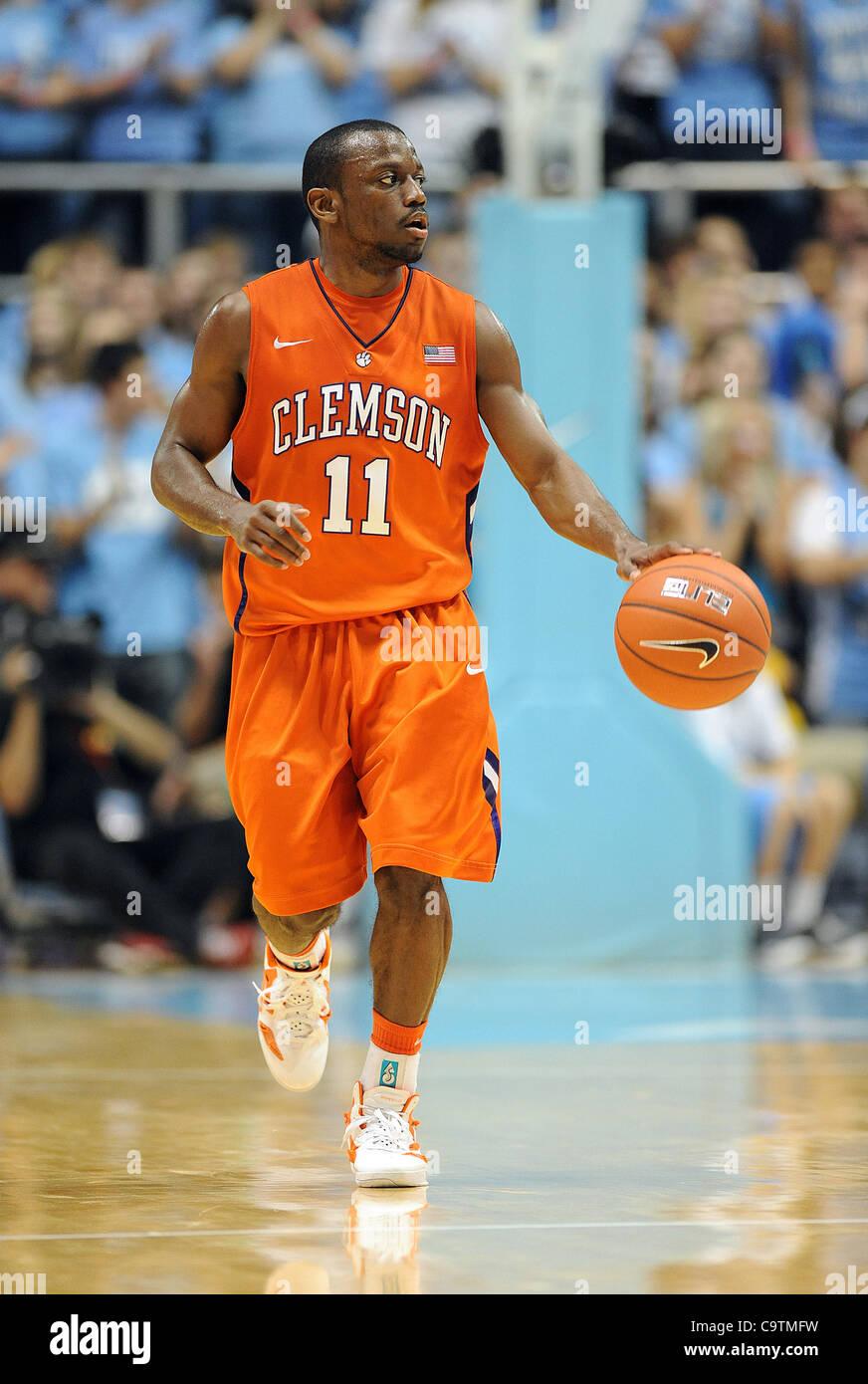 Febbraio 18, 2012 - Chapel Hill, North Carolina, Stati Uniti d'America - ANDRE giovani (11) del Clemson Tigers Immagini Stock