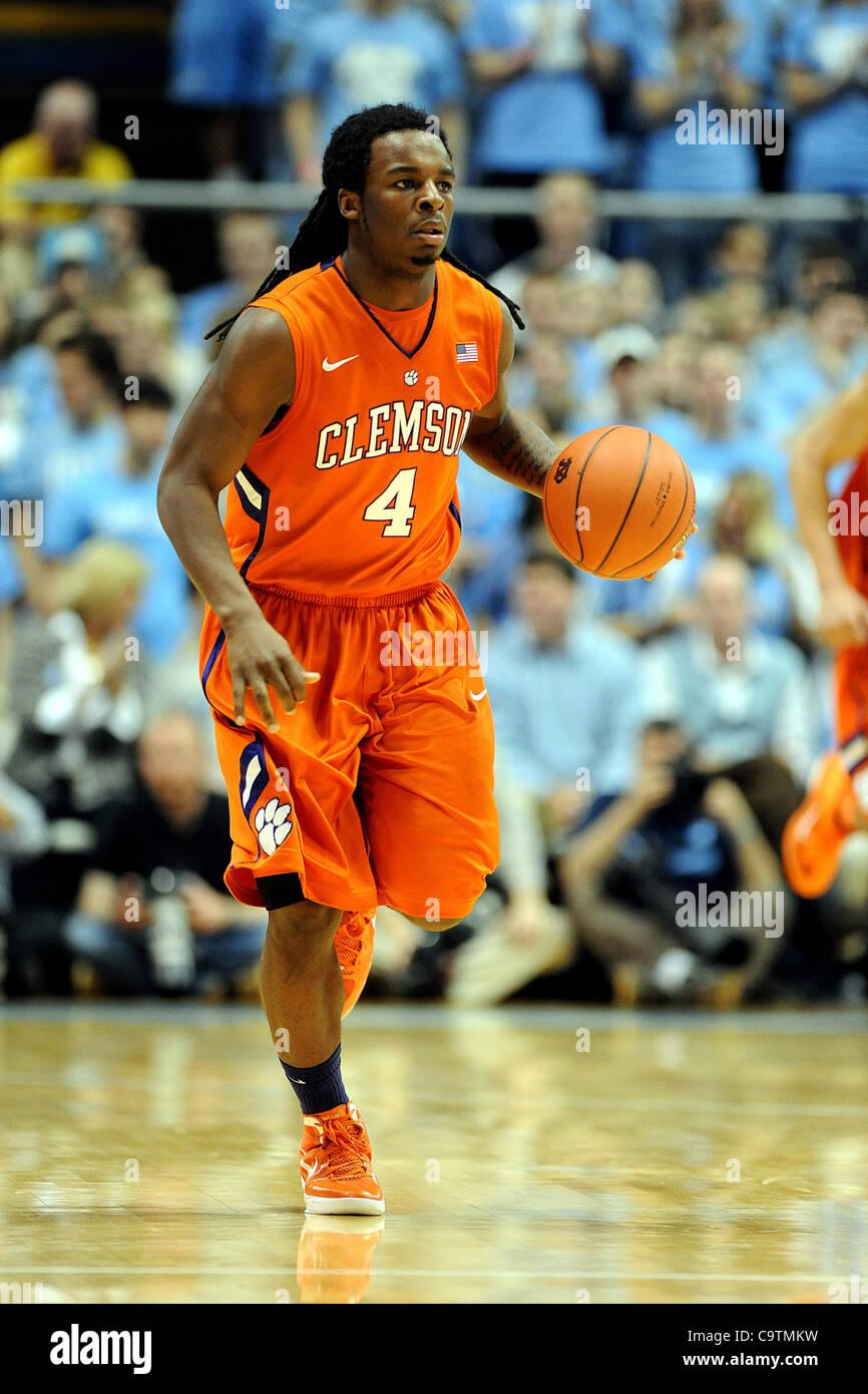 Febbraio 18, 2012 - Chapel Hill, North Carolina, Stati Uniti d'America - (4) asta hall del Clemson Tigers come Immagini Stock