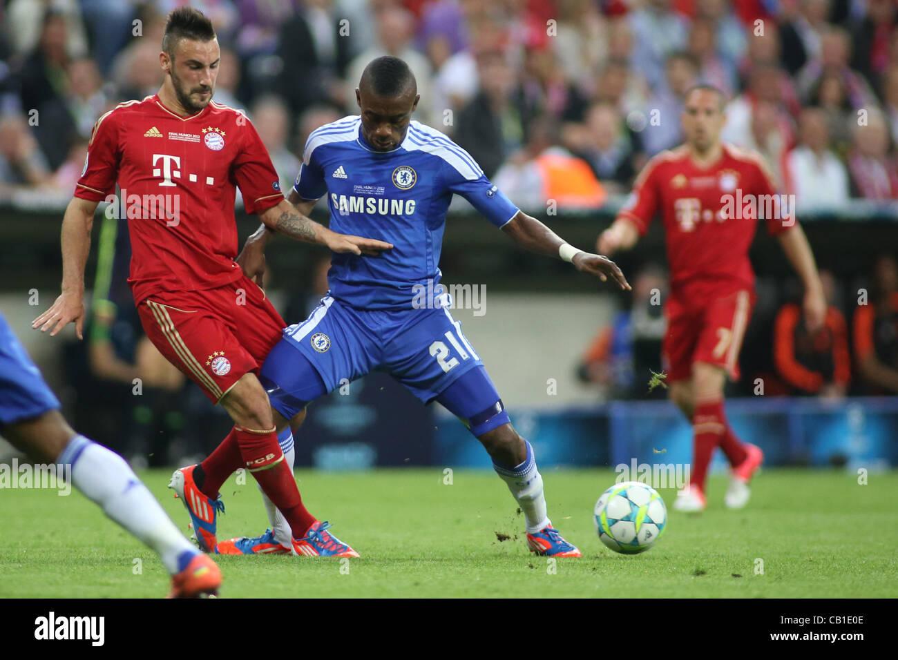 19/05/2012 Monaco di Baviera, Germania. Il Bayern tedesco della defender Diego contento e Chelsea, in Costa d'Avorio Immagini Stock