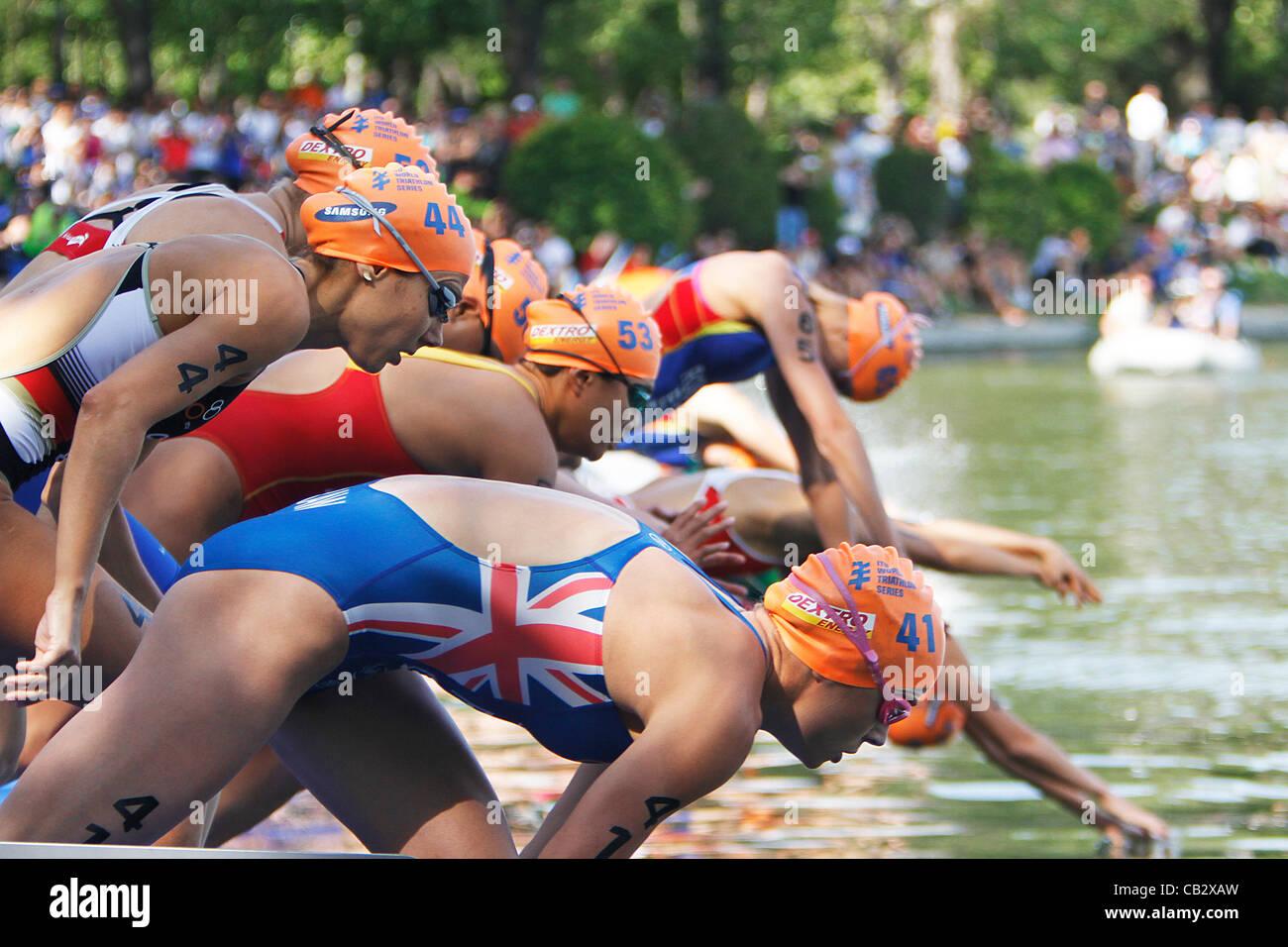 ITU Triathlon World Series - Campeonato del mundo de triatlon ; Casa de Campo, Madrid - Donne Elite serie - gli Immagini Stock