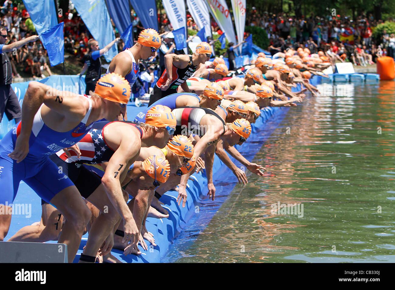 ITU Triathlon World Series MAdrid - Campeonato del mundo de triatlon ; gli uomini serie Elite Test - 27/05/2012 Immagini Stock