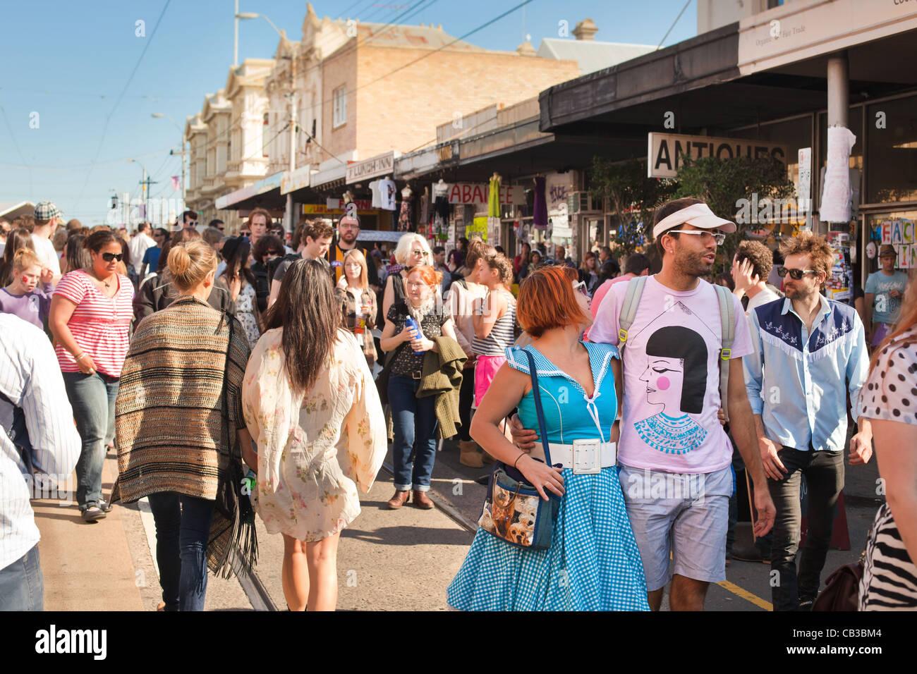 Interessante la moda al Mezzogiorno comunità festival è un locale Northcote Music Fest di Melbourne, Australia Foto Stock