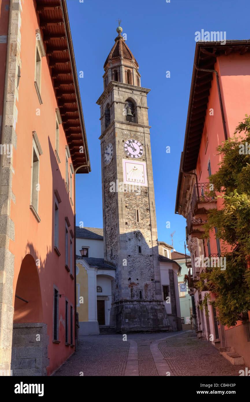 Chiesa di Ascona, Ticino, Svizzera con Meridiana Immagini Stock