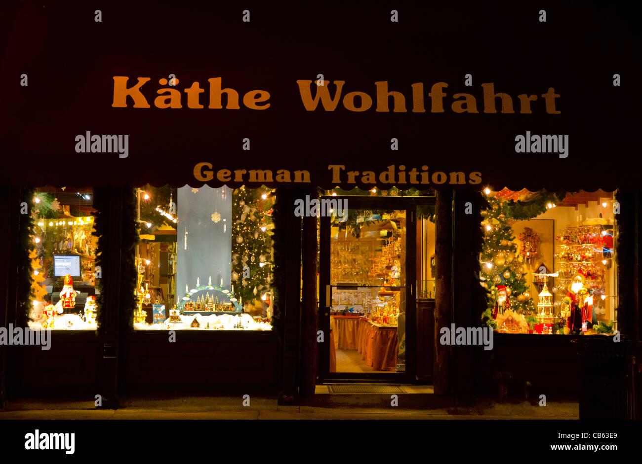 Kathe G. Wohlfart tradizione tedesca shop Stillwater, Minnesota di notte Immagini Stock