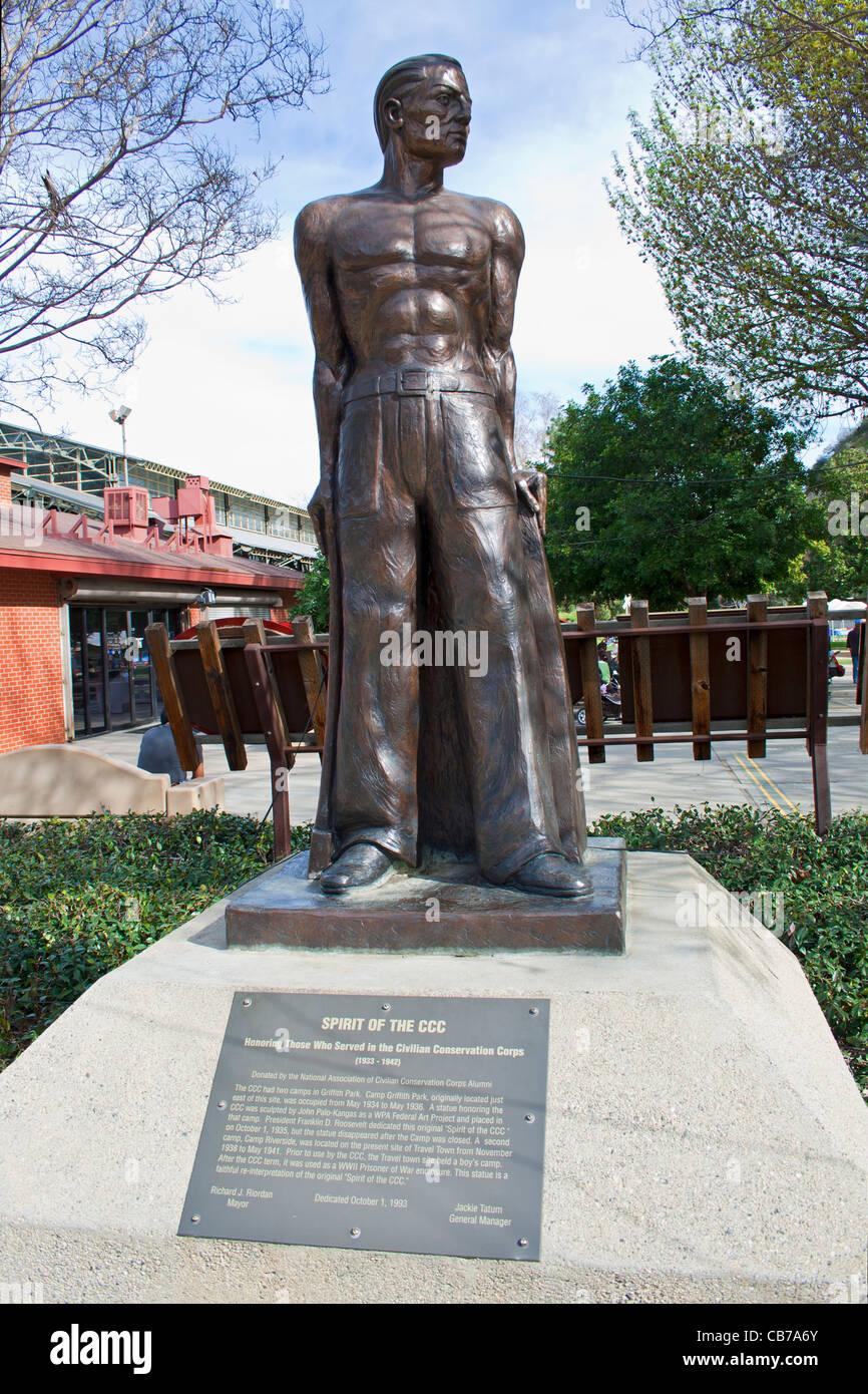 """""""Lo spirito del CCC' statua alla città di viaggio, Griffith Park, Los Angeles, California, Stati Uniti Immagini Stock"""