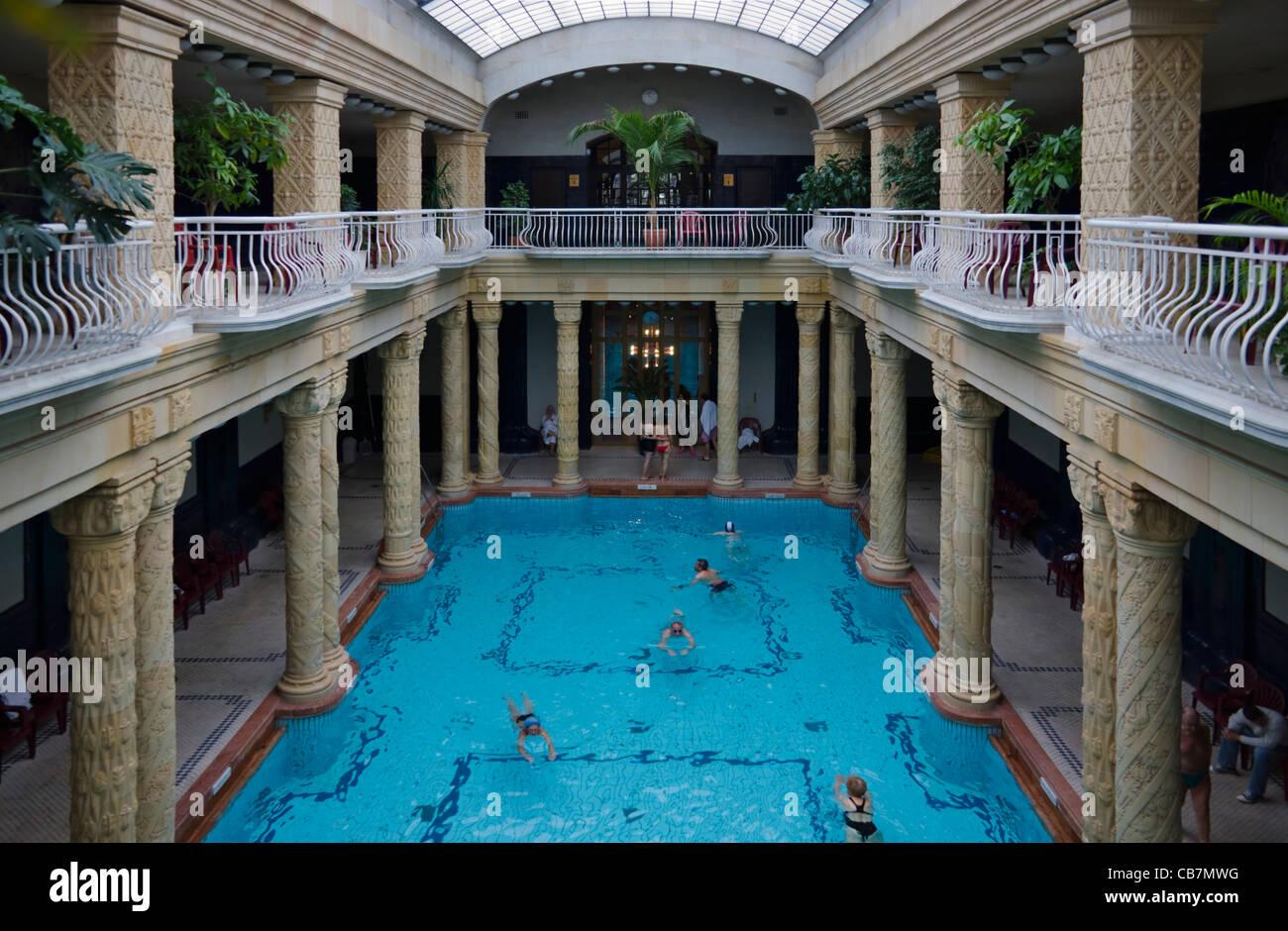 Gellert Bath Immagini & Gellert Bath Fotos Stock - Alamy