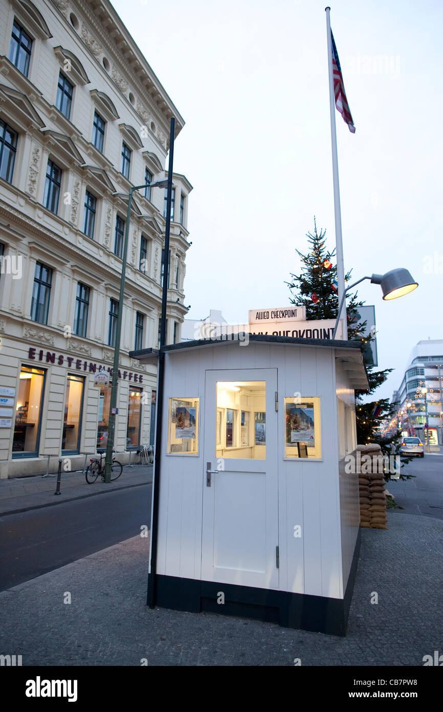 Il Checkpoint Charlie Berlino Est, Germania, Europa. Foto:Jeff Gilbert Immagini Stock