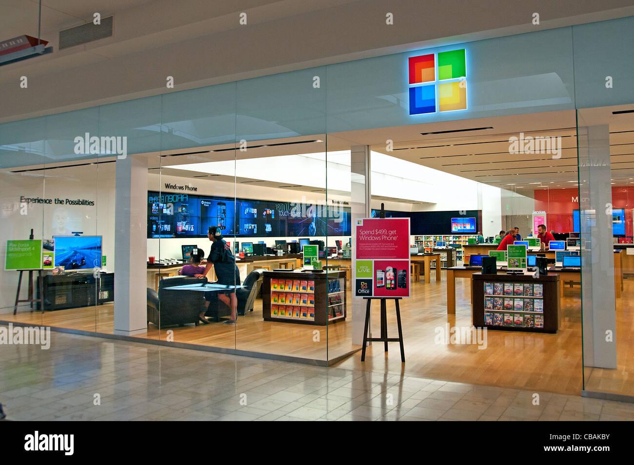 Windows Phone Microsoft shopping mall shop store telefono computer negli Stati Uniti Immagini Stock