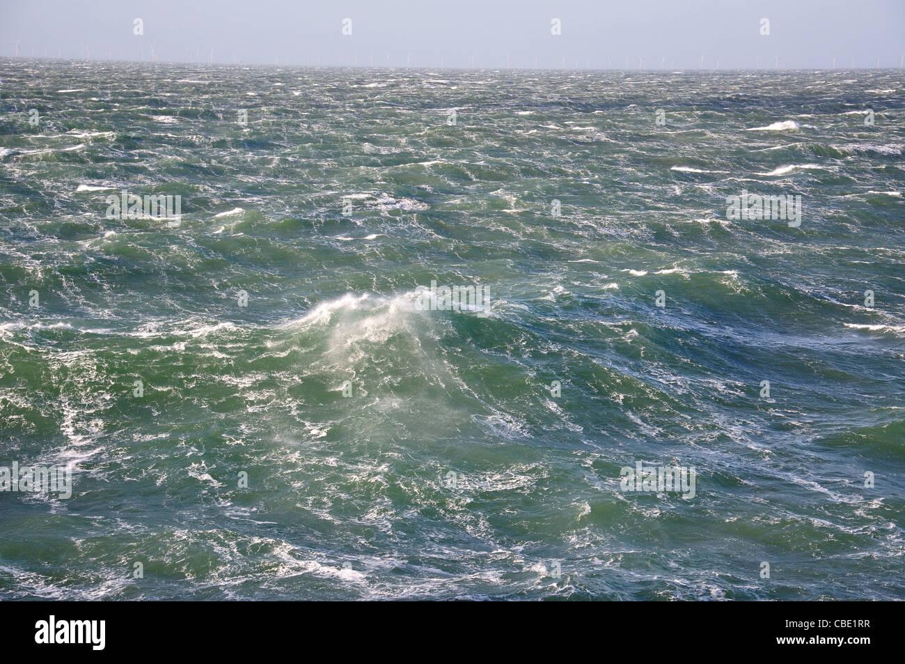 Mare mosso e spray, Mare del Nord Europa Immagini Stock