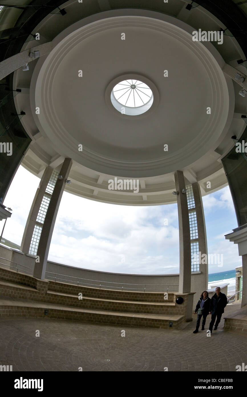 Ingresso circolare di Tate St Ives affacciato Porthmeor Beach, St Ives, Cornwall, Southwest England, UK, Regno Unito, Immagini Stock