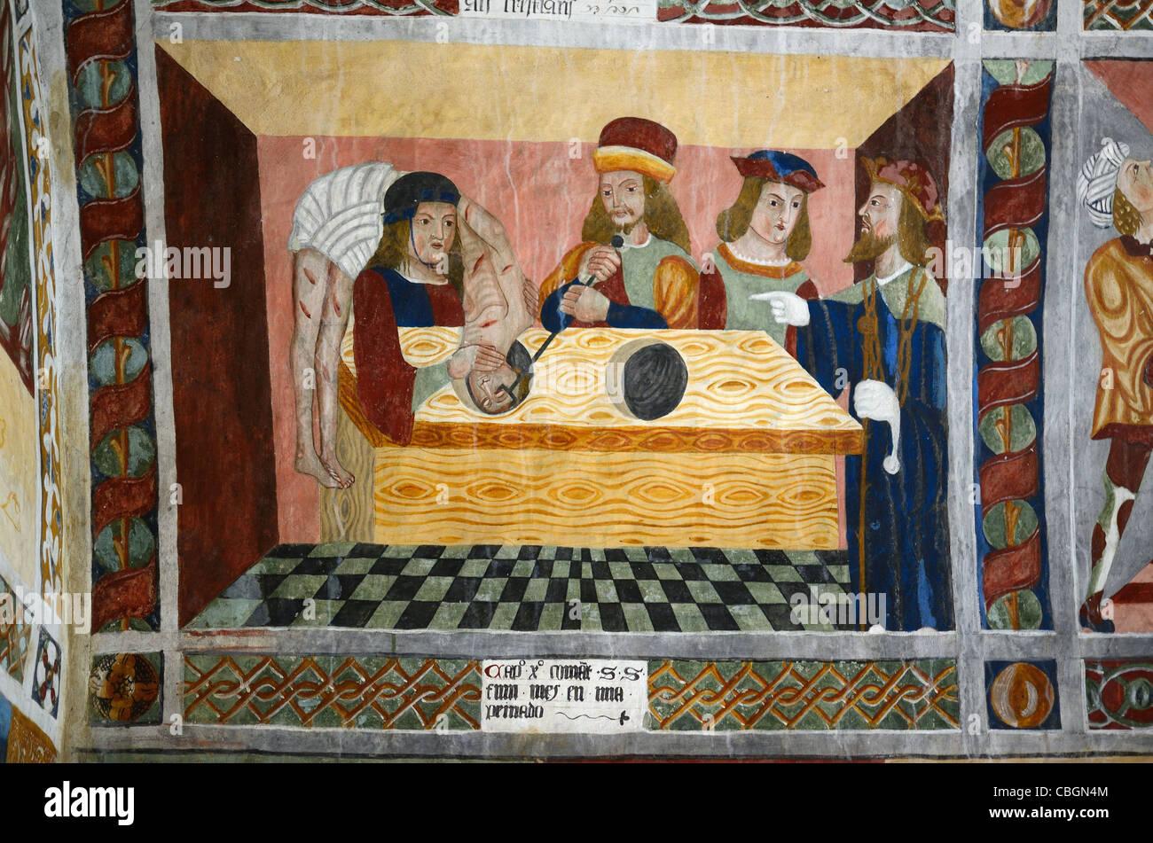 San Sebastiano gettato nelle fogne, pittura murale o affresco nella cappella di San Sebastiano (1513), Roubion, Immagini Stock