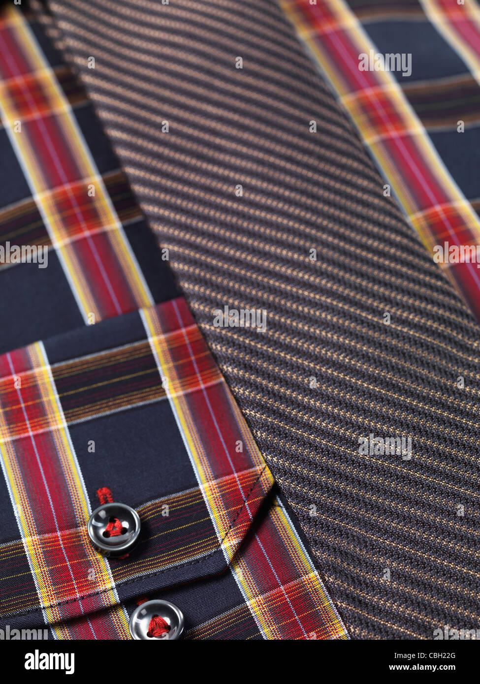 Primo piano di un pattern di tartan mens shirt con una fascetta sottile Immagini Stock